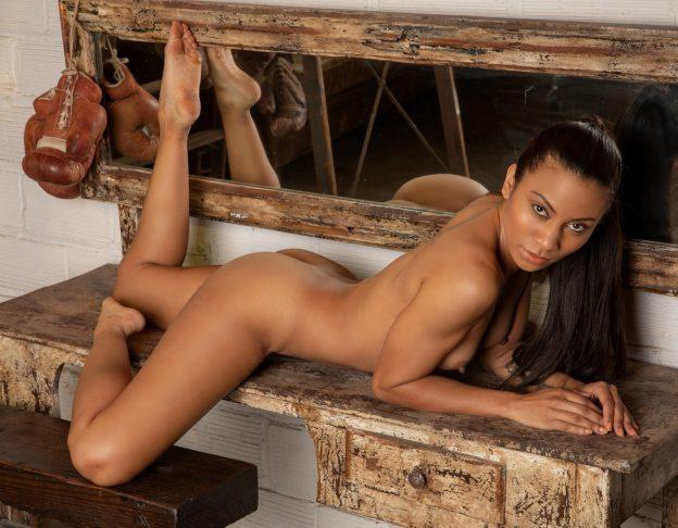 Fatima Kojima Nude Boxing