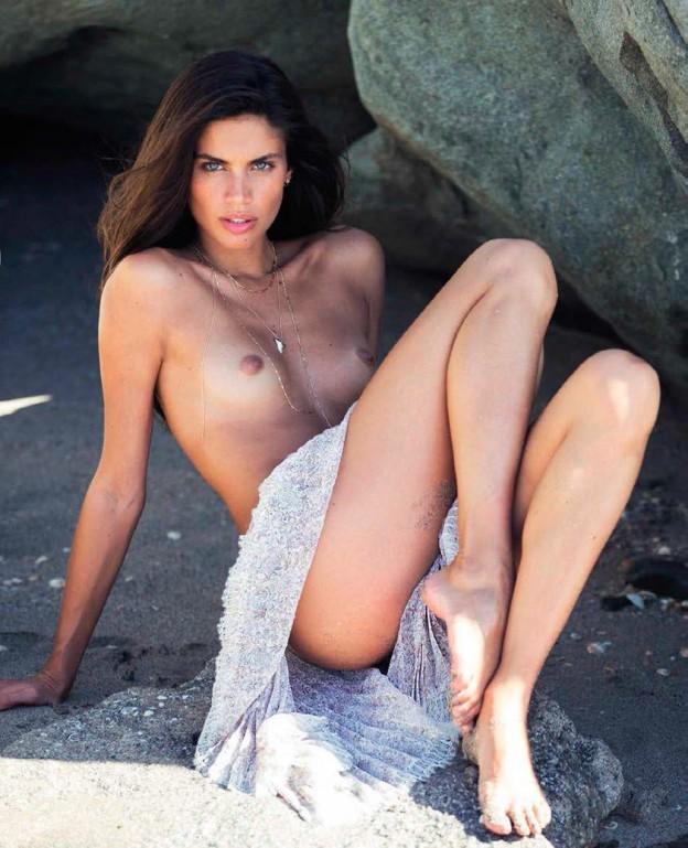 Sara Sampaio Topless