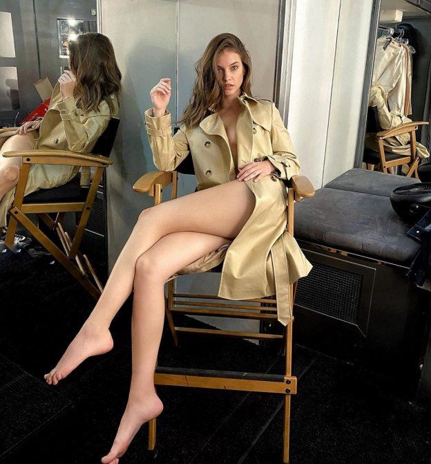 Barbara Palvin Feet