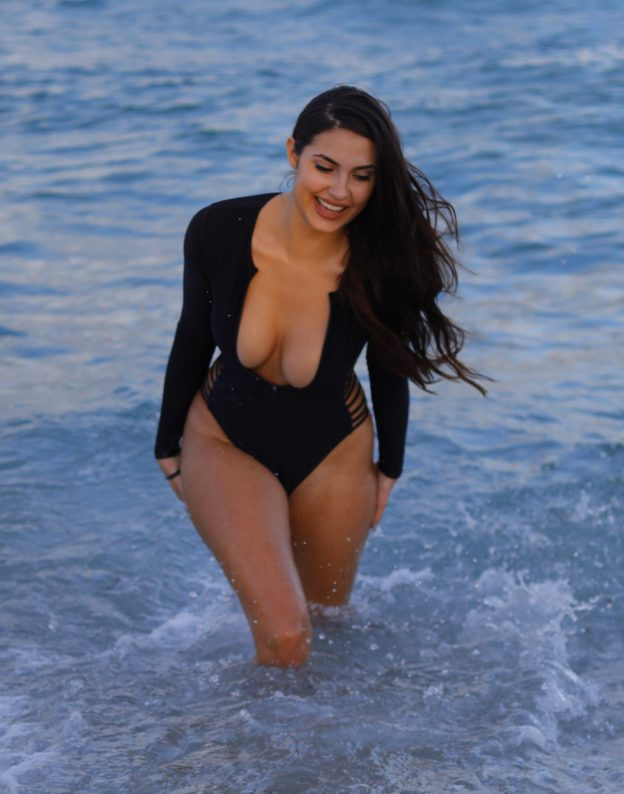 Tao Wickrath Sexy Tits