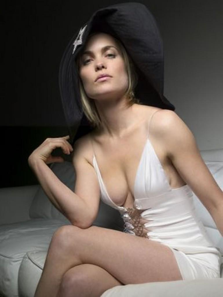 Radha Mitchell Hot Sexy