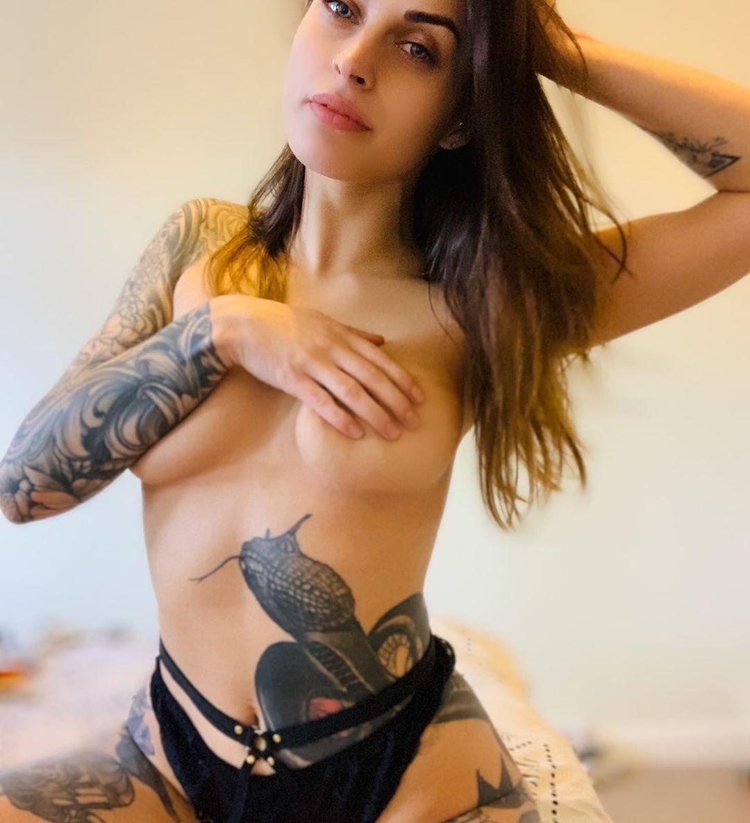 Hel Rae Topless