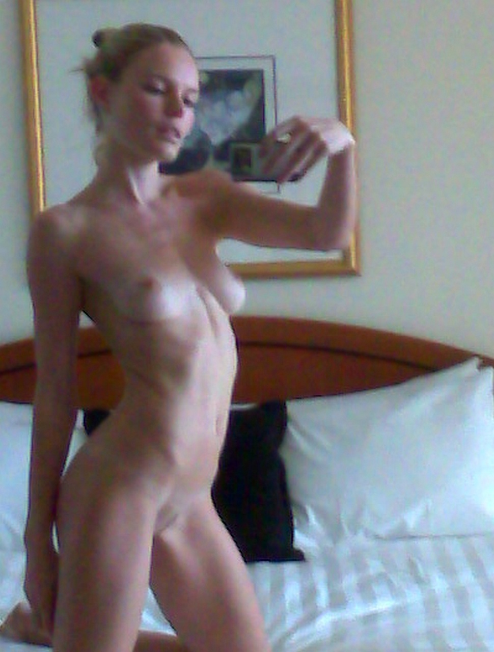 Kate-Bosworth-Naked-Leaked-15