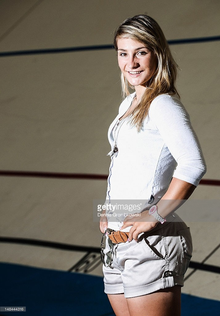 Kristina-Vogel-Sexy-Hot-19