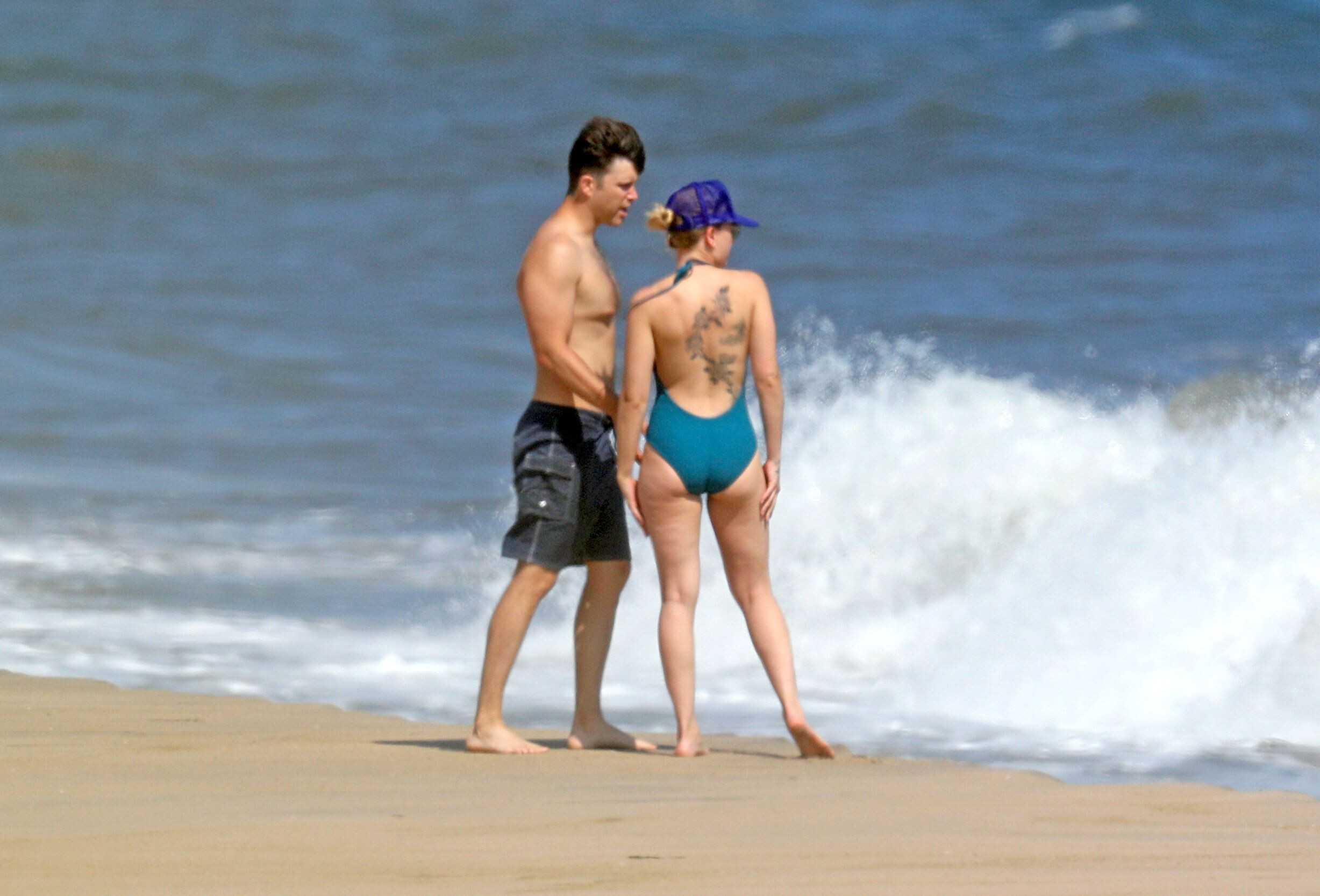 Scarlett Johansson Bikini Ass
